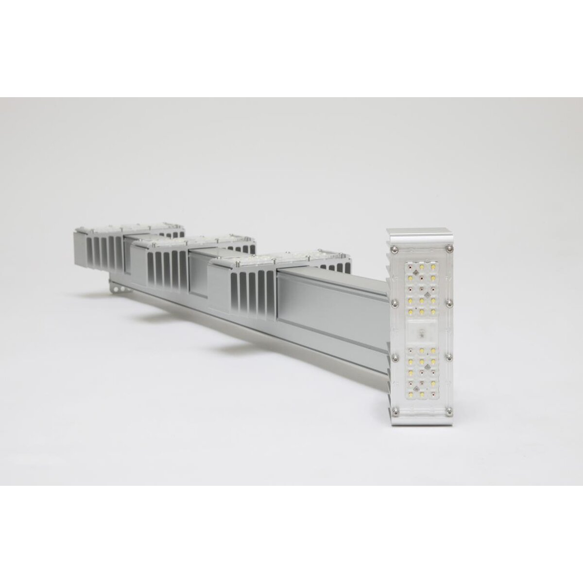 sanlight-q4wl-165w-leuchte-version-21-gen2-laenge-803mm-35stk-palette_3